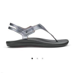 OluKai Eheu Silver Slingback Sandals Girls Sz 5